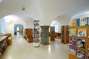 Pionirska knjižnica Leopolda Suhodolčana